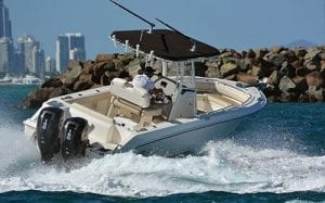 Boston Whaler 230 Outrage Boat Test